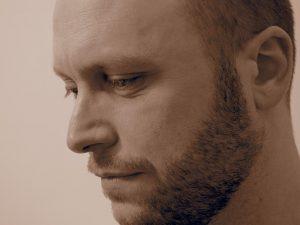 Chris Thomas, author profile picture